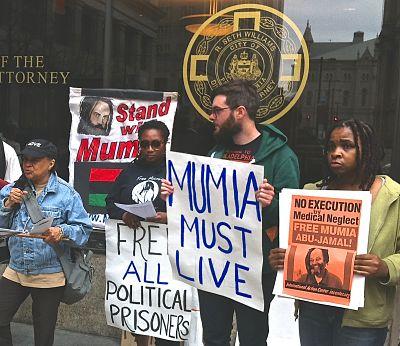 Protest outside DA Williams office in 2015