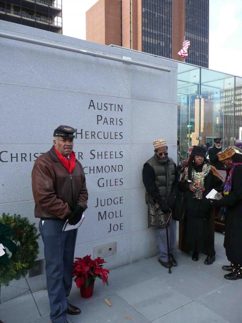 Washington's Philadelphia slaves memorialized on Independence Mall (photo by Linn Washington)