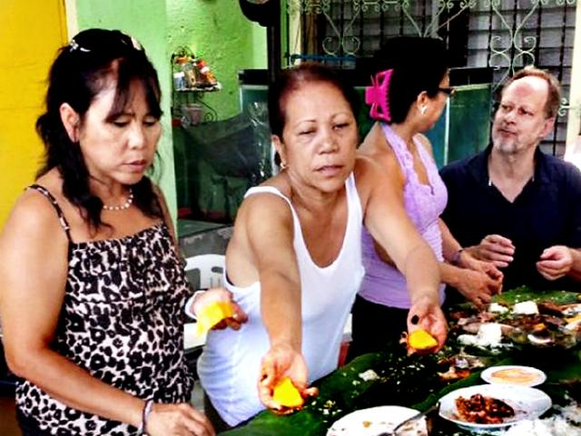 Stephen Paddock with Marilou Danley, right, and her two sisters in the Philippines